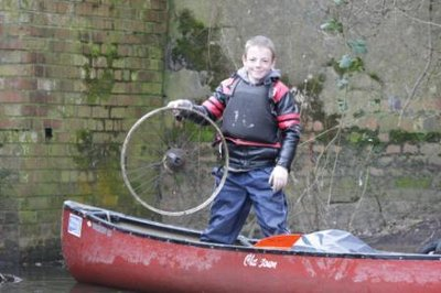 Canoeing and Litter Picking River Soar